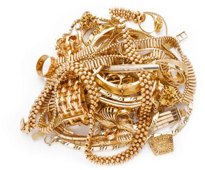 Goldschmuck in Form Goldketten, Goldarmbänder, Goldringen und Goldarmreifen